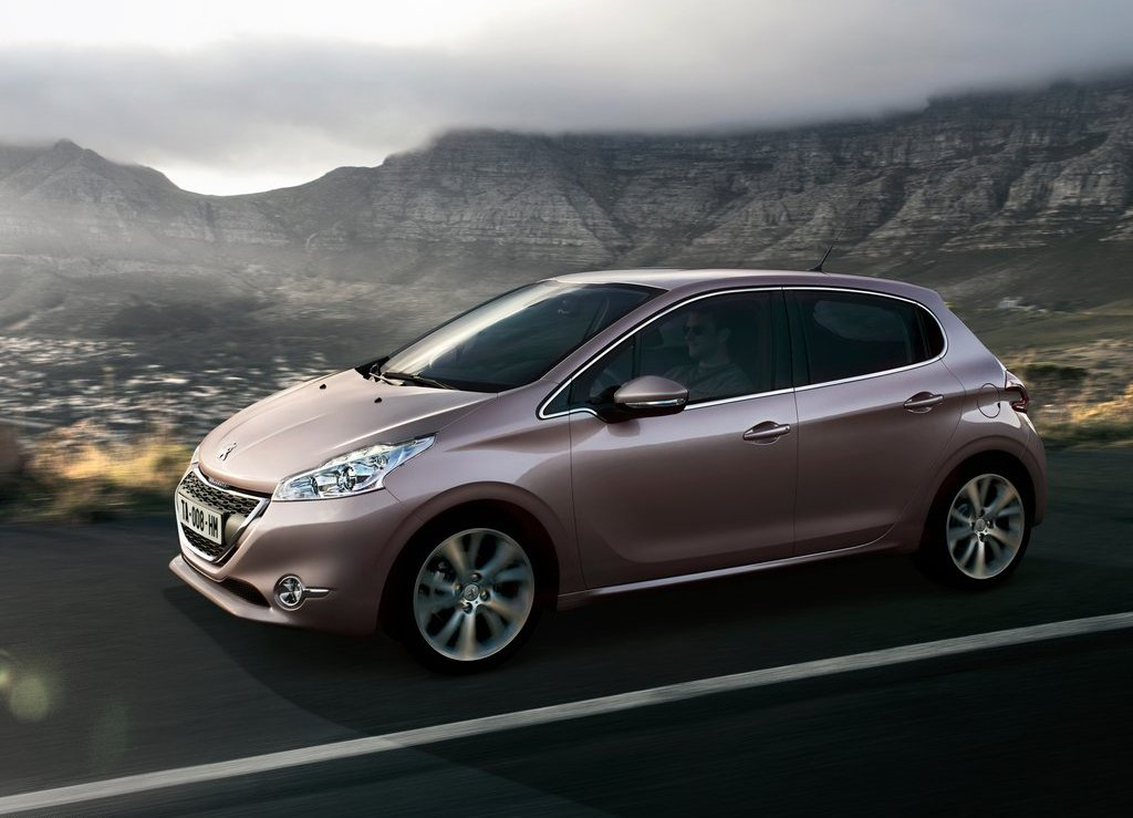 peugeot 208 vehicle information peugeot leasing in europe. Black Bedroom Furniture Sets. Home Design Ideas
