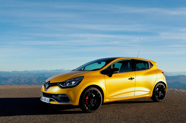 renault clio 4 rs trophy vehicle information renault leasing in europe. Black Bedroom Furniture Sets. Home Design Ideas