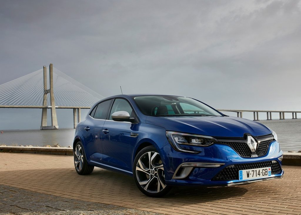 Renault Megane Berline Vehicle Information - Renault Leasing in Europe